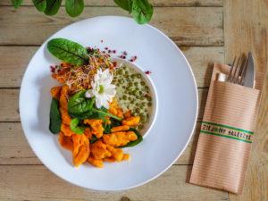 Restauracja Lublin Zielony Talerzyk kluseczki dyniowe z sosem
